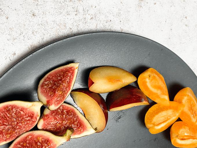 Chia Seed & Ground Turmeric Porridge with Stone Fruit step 3