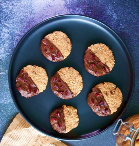 Indulgent Quinoa Cookies With Almonds And Dark Chocolate